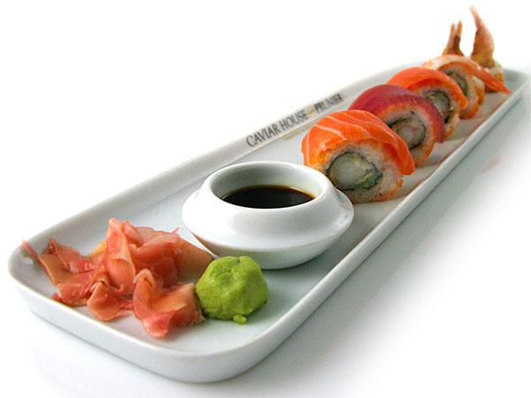 Produktfoto / madfoto af Sushi anrettet på tallerken